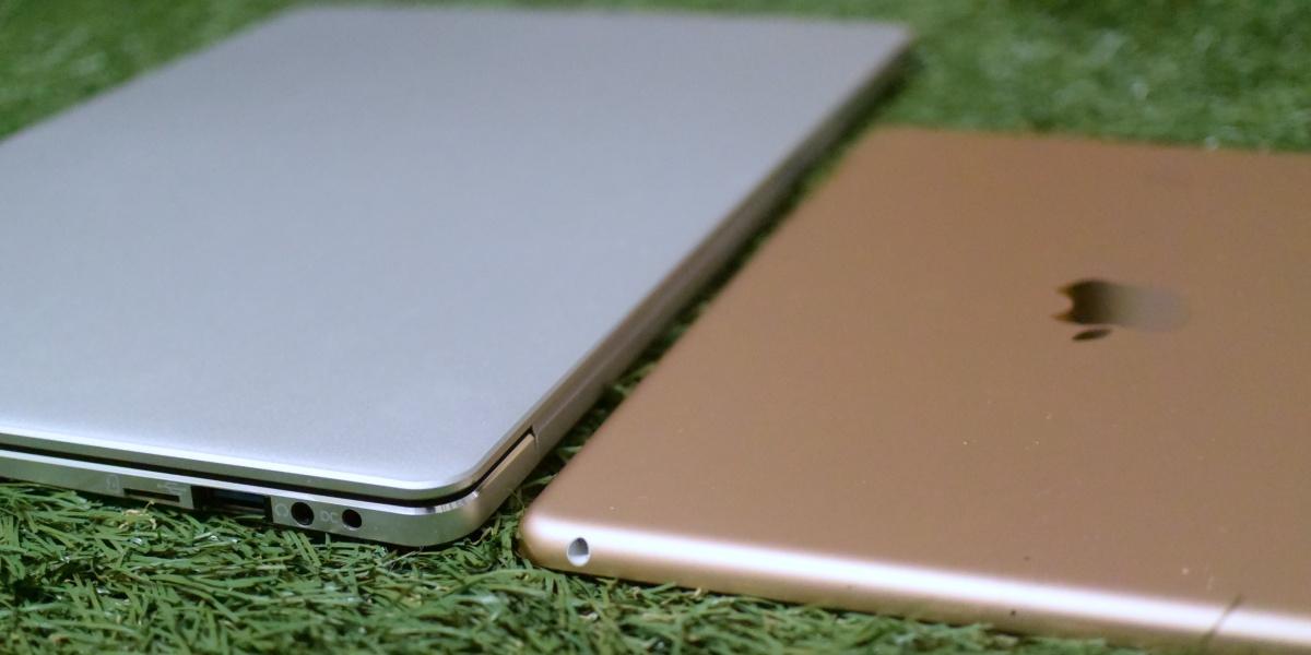 GLM-14-240-JP(iPadとの厚さ比較)